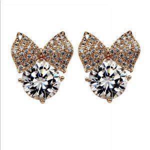 Mini crown crystal earrings